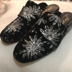 NWOT Free People shoes